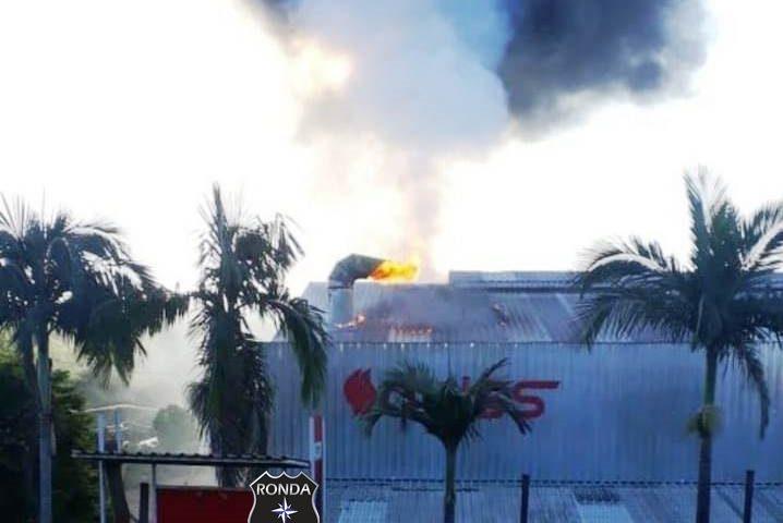 Princípio de incêndio é registrado em fabrica de móveis no Oeste Catarinense.