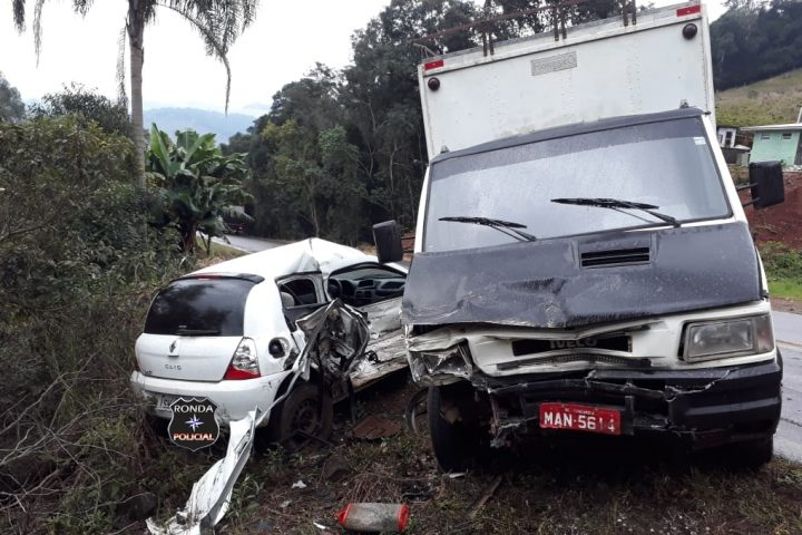 Grave acidente deixa motorista ferido na SC-155