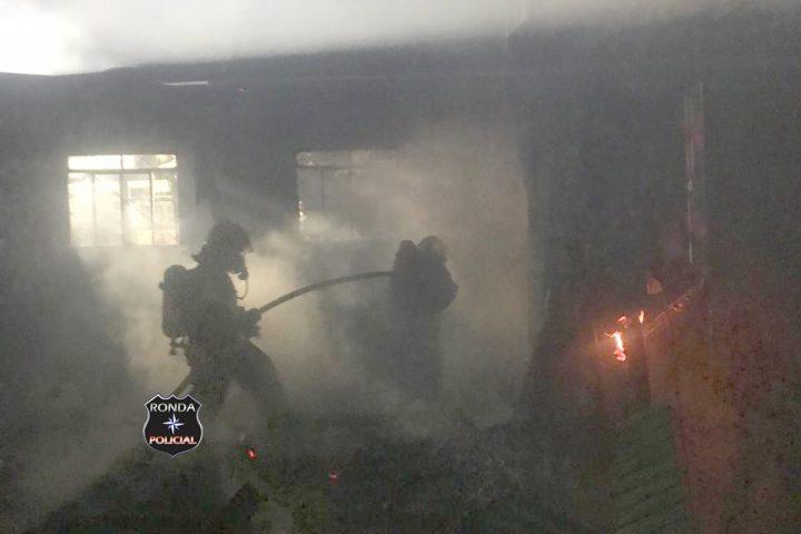 Bombeiros de Xanxerê combatem incêndio em comunidade rural