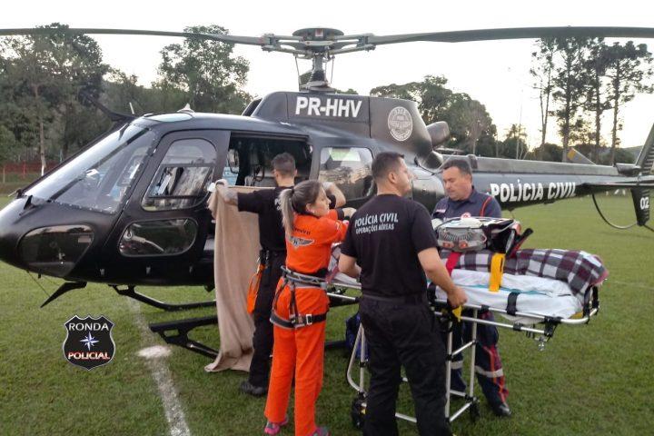 Idoso é transferido por equipes do Saer e Sara para o Hospital Regional do Oeste