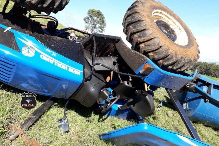 Trabalhador rural fica ferido após acidente com trator