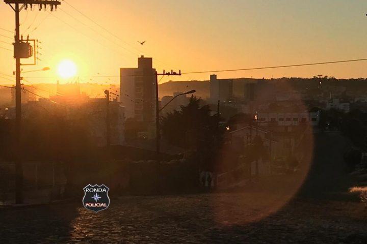 Quinta-feira tem previsão de tempo seco e temperaturas elevadas em Santa Catarina