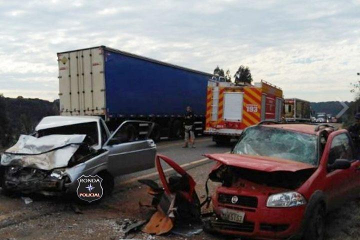 Empresária morre e quatro pessoas ficam feridas em grave acidente na tarde desta segunda-feira