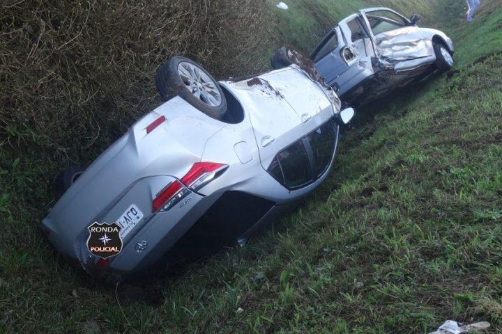 Grave acidente resulta em cinco vítimas na manhã deste domingo na BR-282