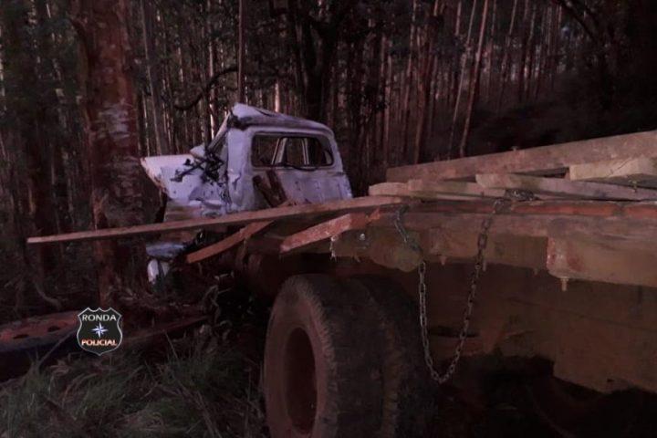 Idoso morre após grave acidente com caminhão no interior de Ouro Verde