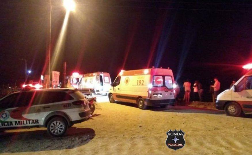 Criança sobrevive após carro em que estava com os pais cair de ponte no Vale do Itajaí
