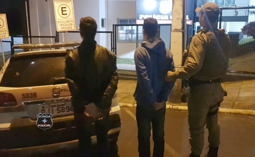 Adolescentes tentam fugir de moto de abordagem policial durante a madrugada mas acabam detidos em Xanxerê