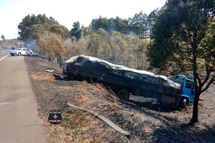 Três pessoas ficam feridas em acidente de trânsito na BR-282