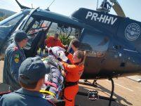 Motociclista gravemente ferido é transferido por equipes do Saer e Sara para hospital de Chapecó