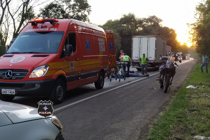 Motociclista fica ferido em acidente na BR-282