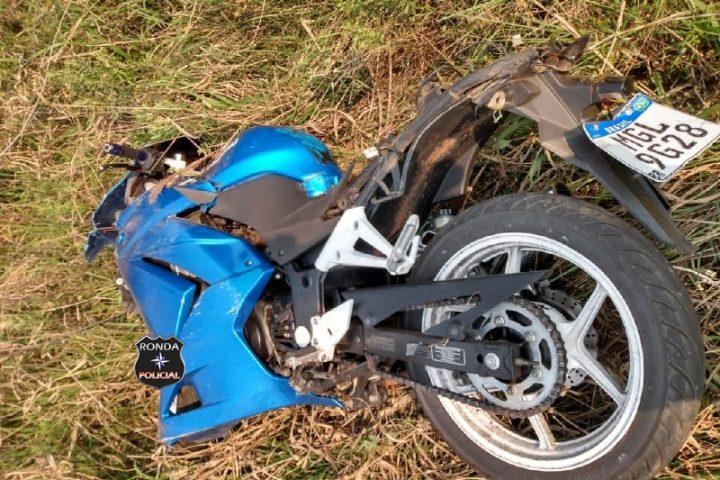 Motociclista fica gravemente ferido ao sofrer queda na 282