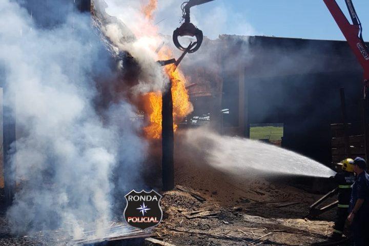 Incêndio em madeireira é registrado no o final de semana