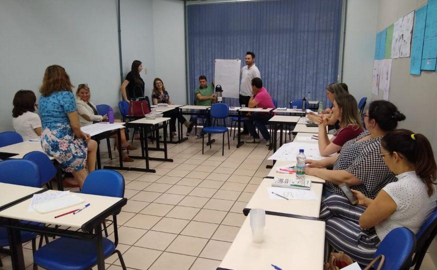 Secretaria de Educação realiza capacitação de equipe administrativa