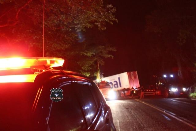Idoso morre em grave acidente durante a noite na BR-282