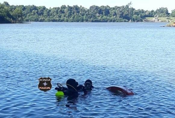 Mergulhadores do Corpo de Bombeiros de Xanxerê auxiliam nas buscas a vítima de afogamento no interior de Marema