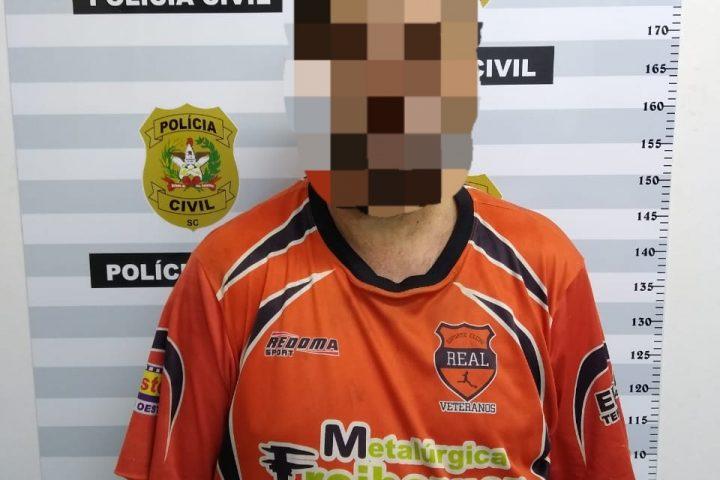 Polícia prende homem com mandado de prisão expedido em MG