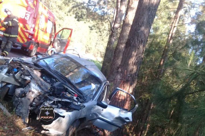 Jovem morre e outras três pessoas ficam feridas em grave acidente na BR-282