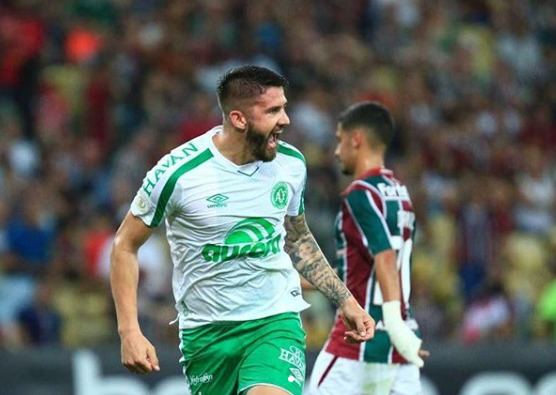 Chape empata com Fluminense no Rio e segue na zona de rebaixamento