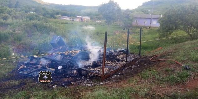 Incêndio consome residência a margem da SC-480