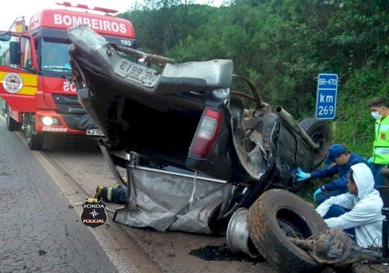 Quatro pessoas ficam feridas em grave acidente na manhã deste domingo