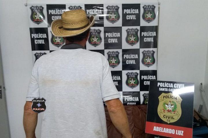 Homem é preso em flagrante por posse ilegal de arma e munição em Abelardo Luz