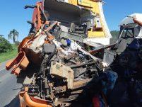 Caminhoneiro do Oeste morre em grave acidente no Vale do Itajaí