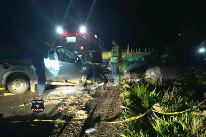 Duas pessoas morrem e uma fica ferida em grave acidente na SC-155