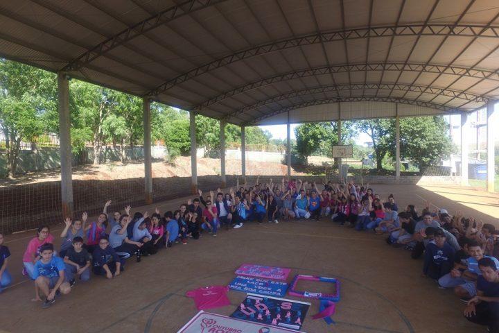 Mais de 200 pessoas participam de caminhada alusiva ao Outubro Rosa e Novembro Azul em Bom Jesus