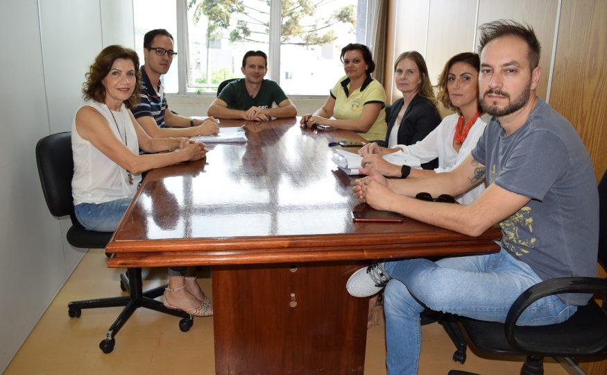 Reunião define elaboração de projeto para construção da Apadavix