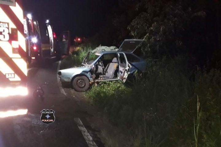 Capotamento de veículo deixa cinco pessoas feridas entre elas duas crianças durante a madrugada
