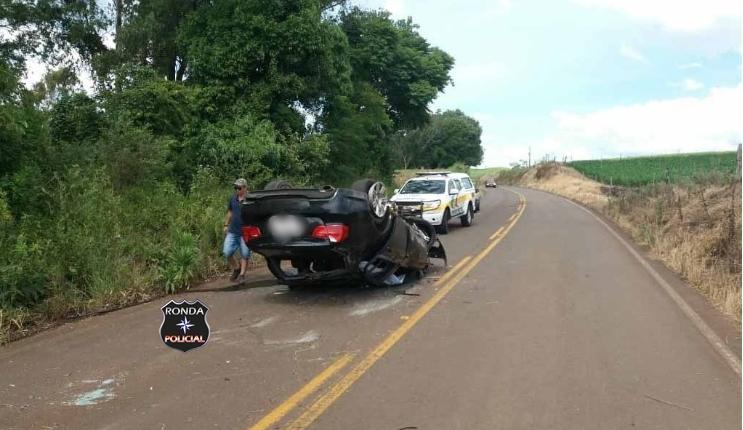 Advogado sofre graves ferimentos ao capotar BMW