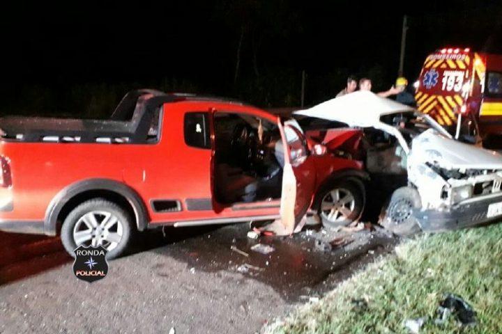 Três pessoas ficam feridas em grave acidente na BR-282