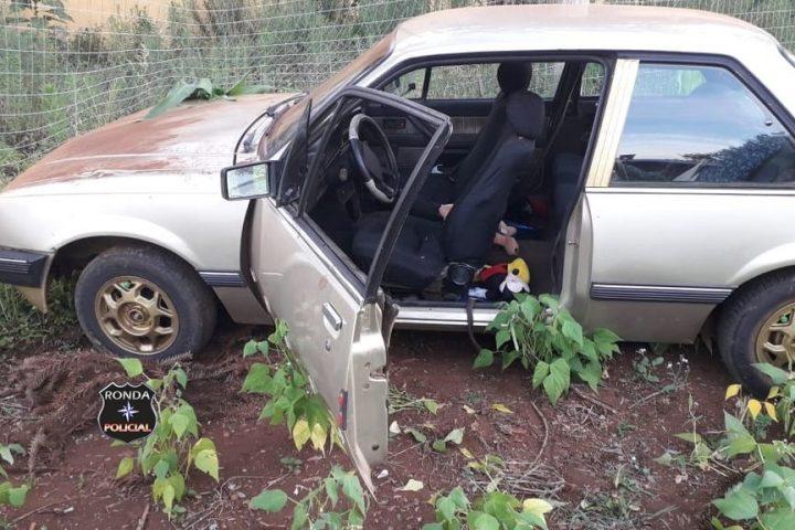 Após acidente motorista abandona criança dentro de veículo no Oeste