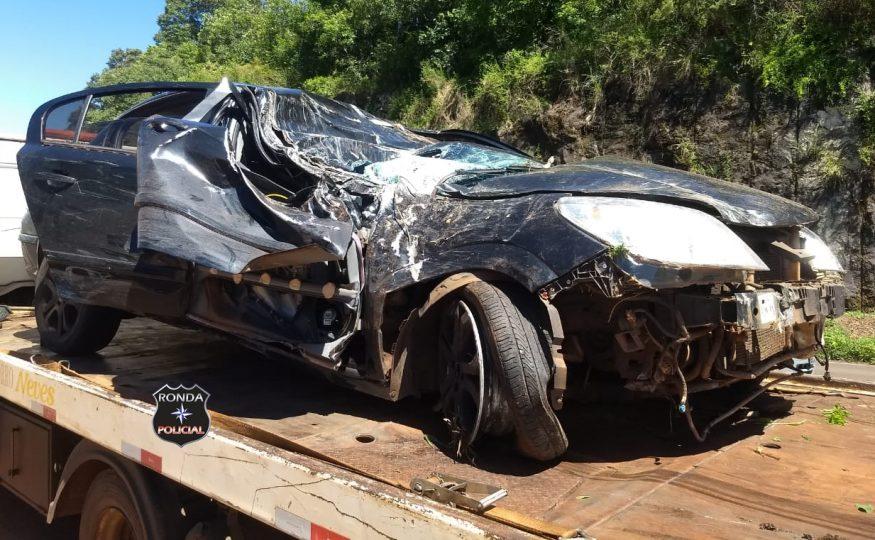 Motorista sofre graves ferimentos ao capotar veículo em ribanceira a margem da SC-155 em Bom Jesus