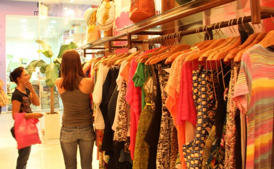Decreto autoriza o retorno da prova de roupas em comércios de Xanxerê