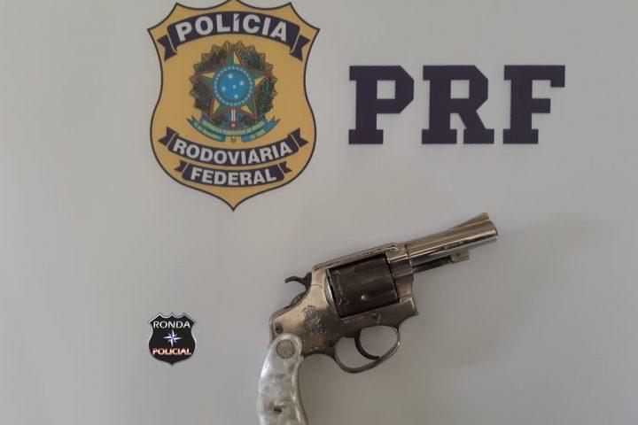 Motociclista de Ponte Serrada é preso em flagrante pela PRF portando arma na cintura durante abordagem