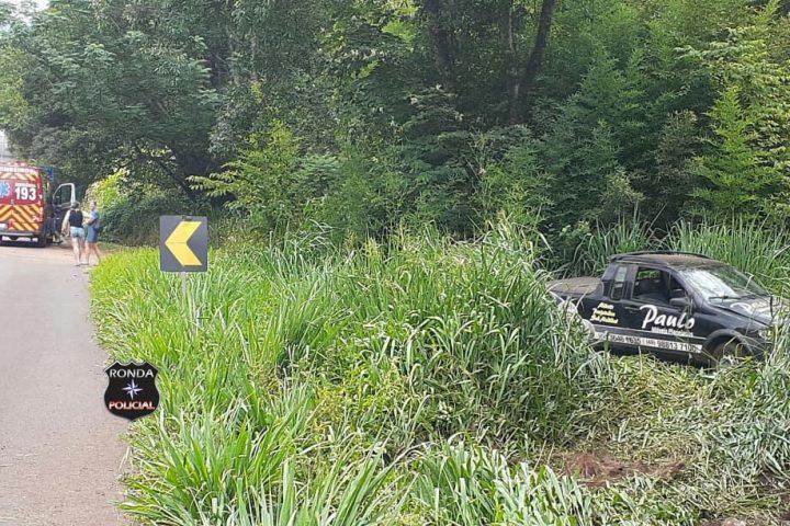 Motorista fica ferido em acidente na 282