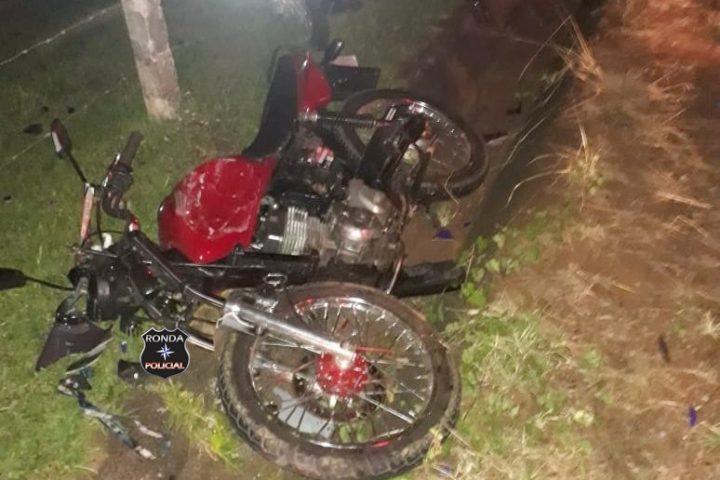 Jovem morre em grave acidente de moto durante a noite