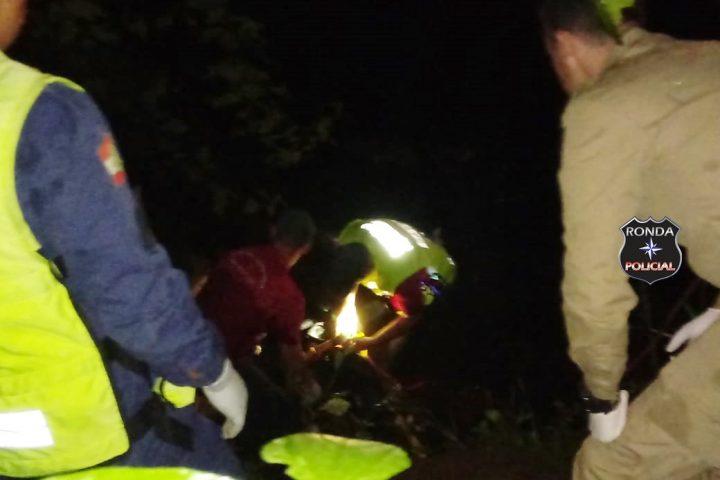 Duas pessoas morrem após veículo cair de ponte no Oeste