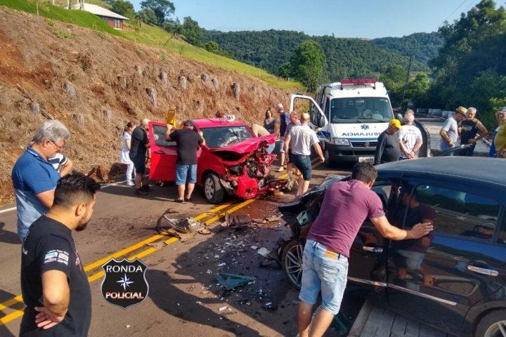 Casal fica ferido em acidente na BR 153