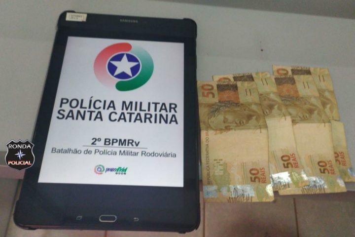 Motorista é preso ao oferecer dinheiro à policiais para não ser autuado