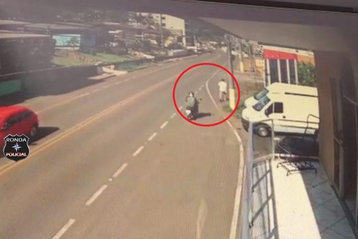 Idoso é atropelado por motociclista embriagado