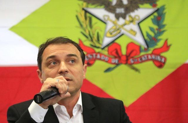 Pedido de impeachment do governador Carlos Moisés é protocolado na Alesc