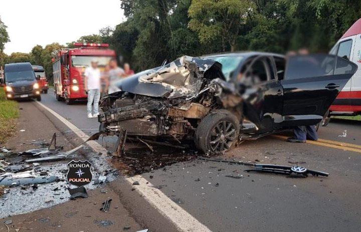 Grave acidente resulta em uma morte e deixa outro gravemente ferido no Oeste