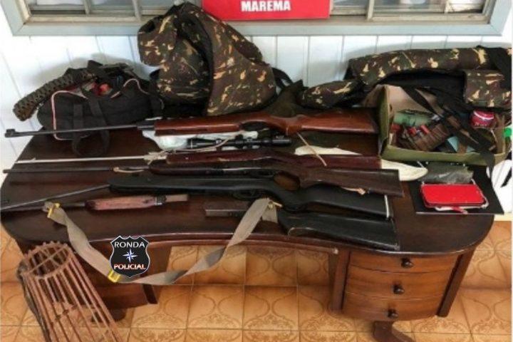 Dupla é presa em flagrante com armas e apetrechos de recarga e caça em Marema