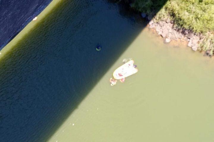 Homem é encontrado morto dentro de rio após tentativa de feminicídio