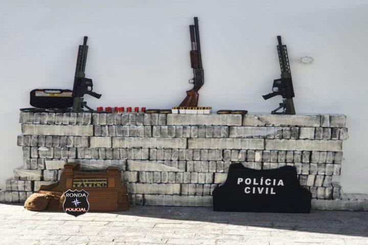 Ação conjunta da DIC e PM apreende grande quantidade de Cocaína, fuzis e espingarda