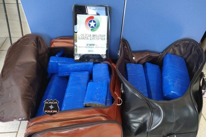 Polícia Rodoviária Estadual apreende mais de 32 kg de maconha em bagageiro de ônibus