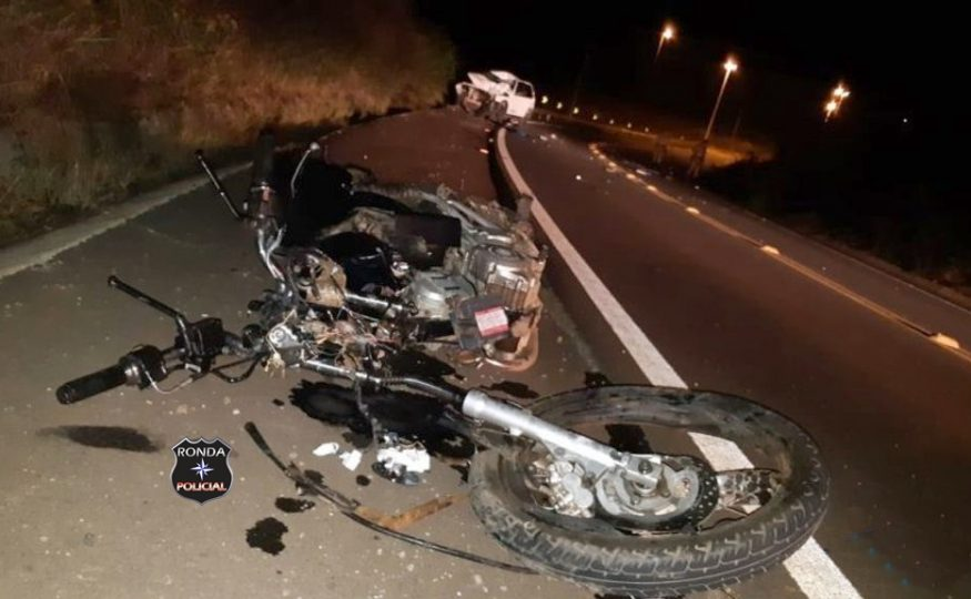 Jovem motociclista morre em grave acidente no contorno viário