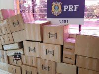 Caminhão dos Correios é flagrado pela PRF na 282 transportando carregamento de vinhos importados ilegalmente